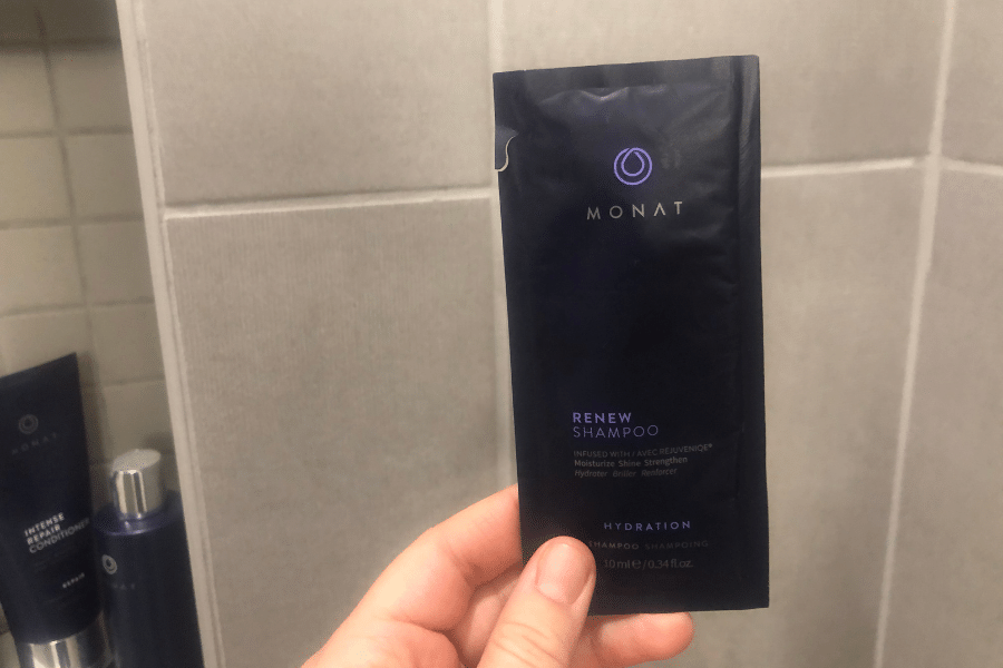 Monat renew shampoo sample